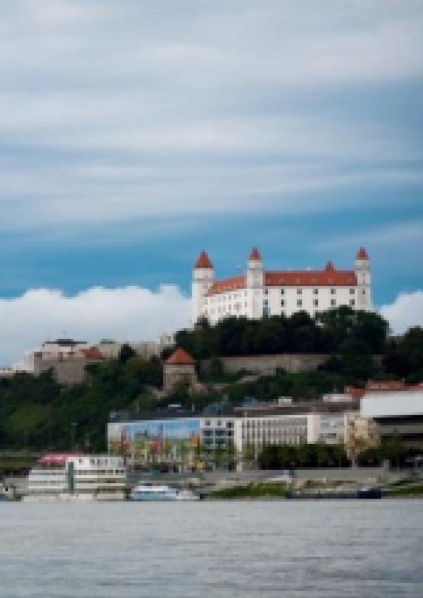 b153ee7371 ... nábrežia rieky Dunaj spracovaných poslucháčmi Fakulty architektúry  Slovenskej technickej univerzity v Bratislave prostredníctvom virtuálnej  reality.